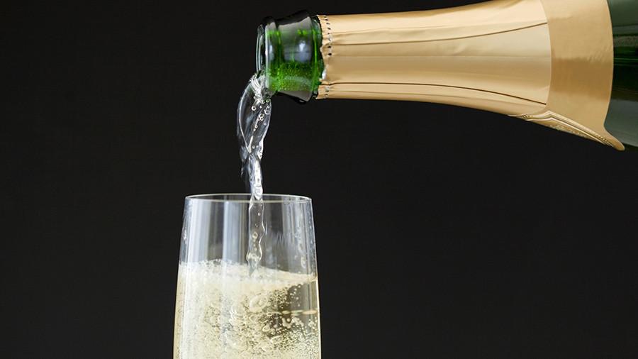 Woman's midair champagne tantrum forces emergency landing