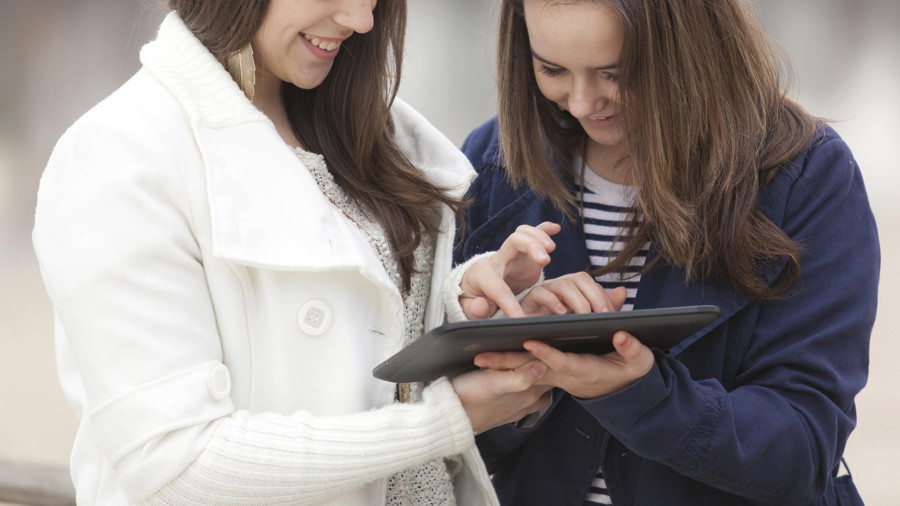 French Facebook wannabes under 16 may require parental 'oui'