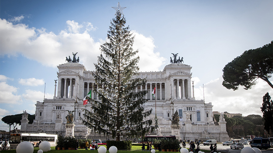 Rome's €48,000 'toilet brush' Christmas tree ridiculed on social media