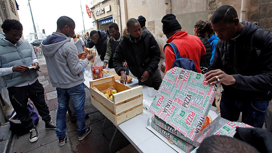 French cities overwhelmed by refugee flow, govt must step in urgently – mayors