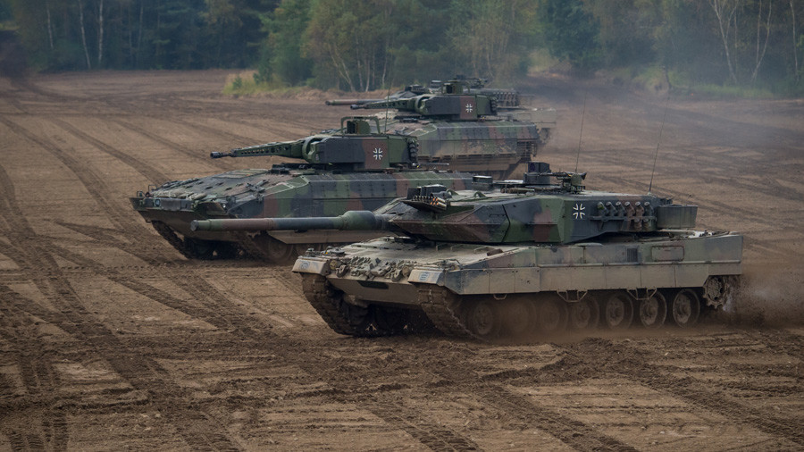 German Defense Minister plans €100mn for army private consultants, lambasted by opposition – report