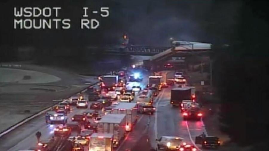 Amtrak train derails on highway bridge in Washington state (PHOTOS, VIDEO)