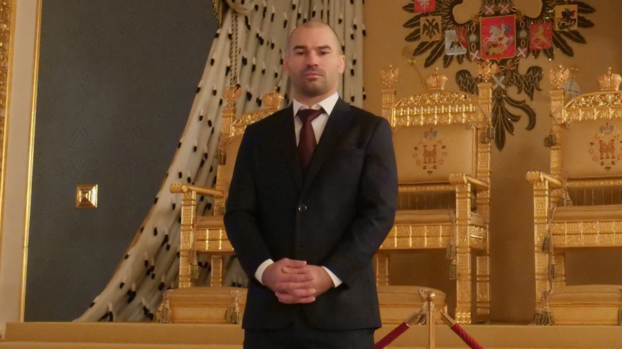 Conor McGregor team member Artem Lobov puts federal guards through paces inside Kremlin (VIDEO)