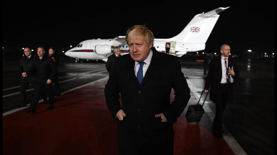 Honey traps and hackers: MP pens fantasy letter of Russia to Boris Johnson ahead of Moscow trip