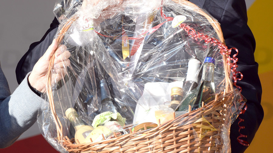 Merry Christmas, you're nicked! Police use fake festive hampers to lure in fugitives