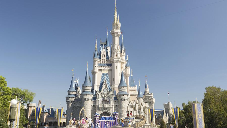 Power outage shuts down half of Disneyland