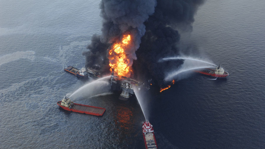 Trump moves to roll back Deepwater Horizon safety rules