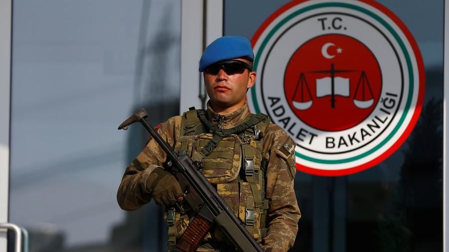 テロリストのためのAli Babaなし:トルコの高セキュリティ刑務所は、「安全上の理由」の古典的な物語を禁止している