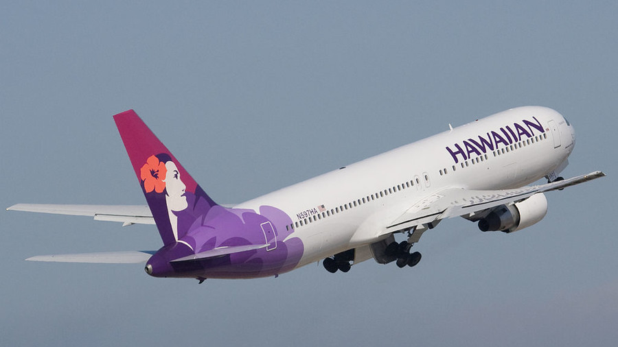 This Hawaiian Airlines flight did a time travel from 2018 to 2017