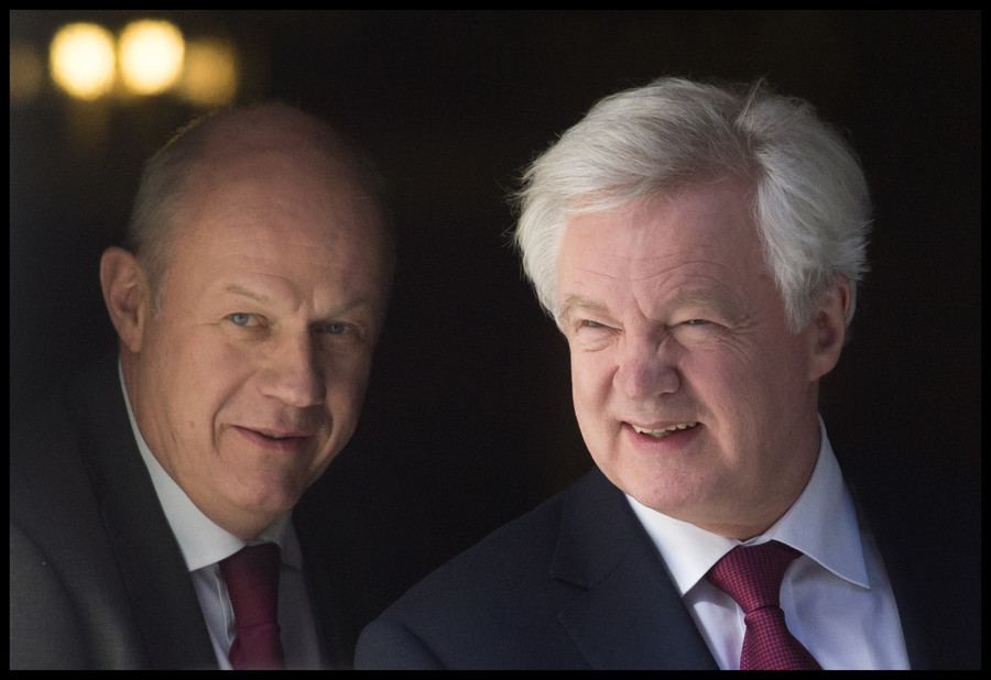 David Davis will 'quit' if Damian Green is sacked over porn allegation - sources