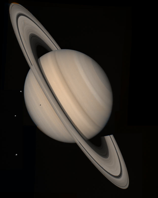Saturn as seen by Voyager