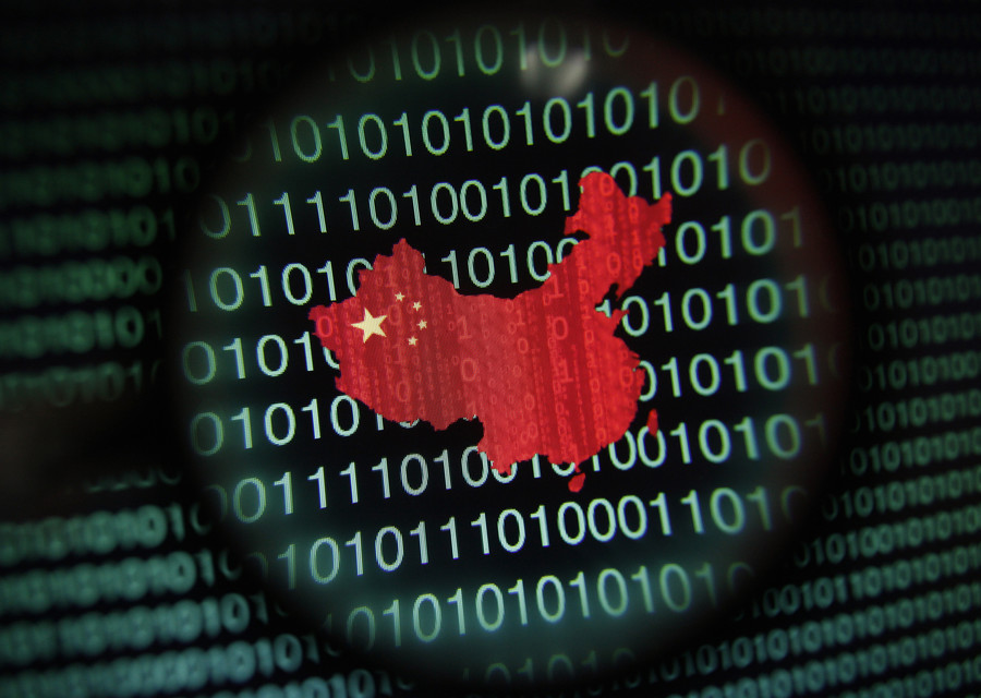 US intelligence chiefs warn against Chinese phones