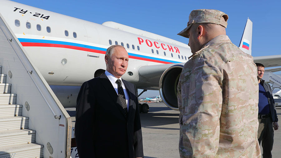 Putin thanks Su-30 jet pilots for 'covering' his plane during Syria visit (VIDEO)
