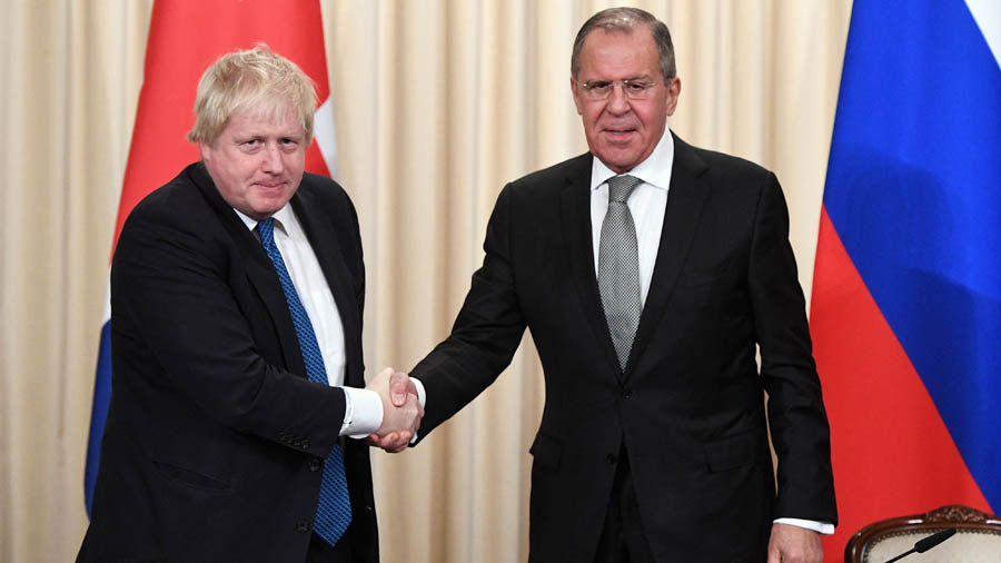 Russian & UK foreign ministers talk up need for World Cup security cooperation