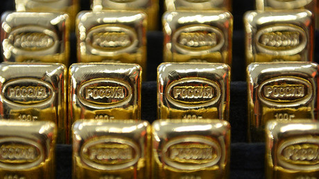 Russia continues stocking up on gold under Putin's strategy