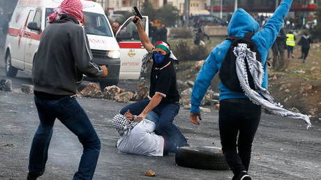 Israeli infiltrators launch surprise attack on Palestinian rally (VIDEO, PHOTOS)