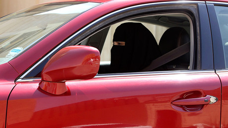 Saudi women score access to football matches
