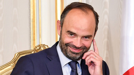 Champagne socialist? French PM spends over $415k on plane flight, gets roasted on Twitter