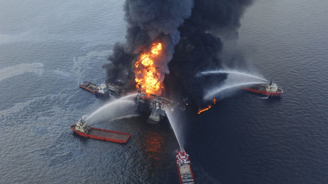 Boats hose down a massive fire on the oil rig Deepwater Horizon, 50 miles southeast of the tip of Louisiana in the Gulf of Mexico © John Mosier / Global Look Press