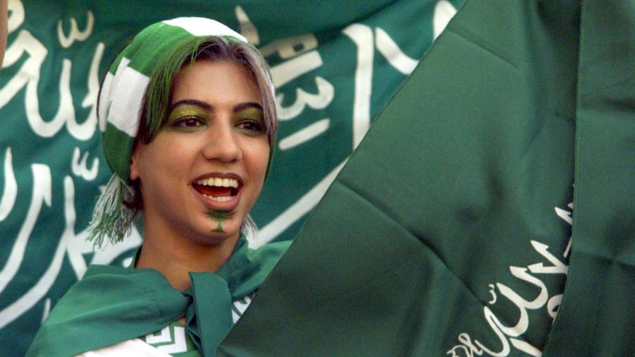 Saudi women score access to football matches