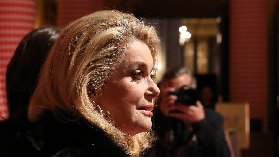 #MeToo frenzy deprives men of 'indispensable freedom' to hit on women – Catherine Deneuve