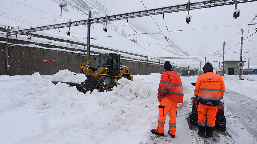 Heavy Snowfall Leaves Thousands Stranded In Alps