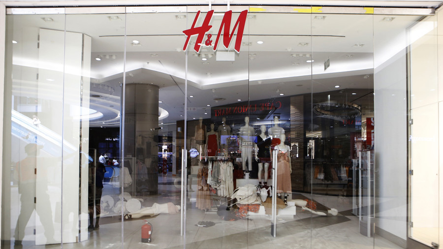 H&M stores trashed by anti-racism group over 'monkey' ad (VIDEOS, PHOTOS)