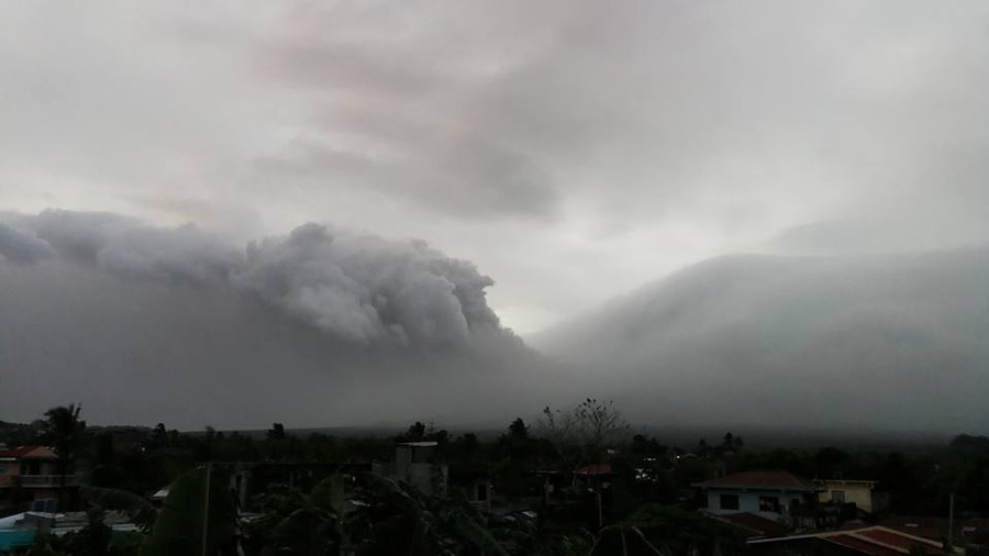 'Hazardous' Mayon Volcano eruption possible within days