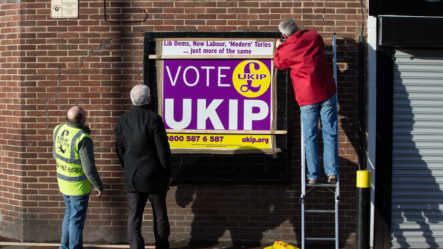 'It's time to move on': William Hague says UKIP is irrelevant & should disband