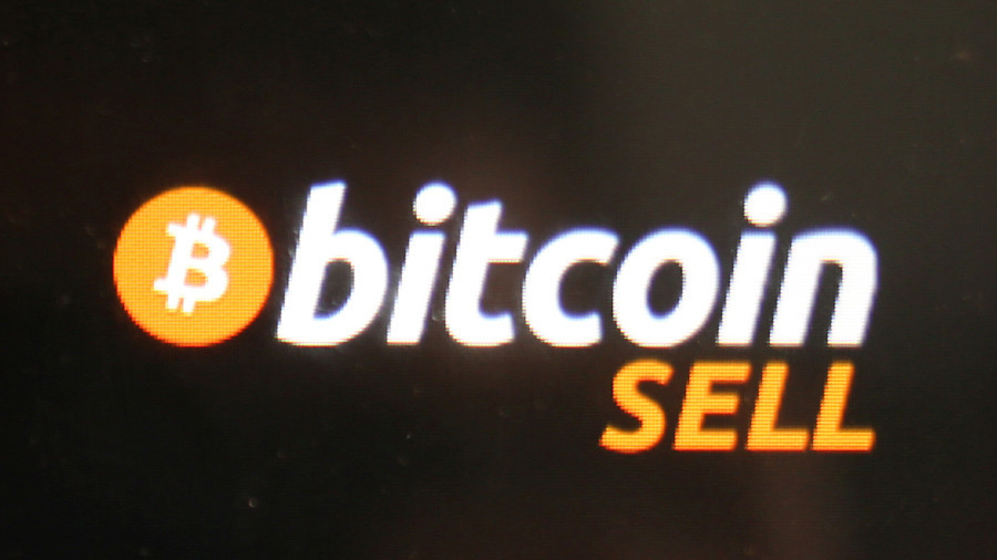 Bitcoin crashed because professionals cashed out, making a buck from last-minute amateur investors