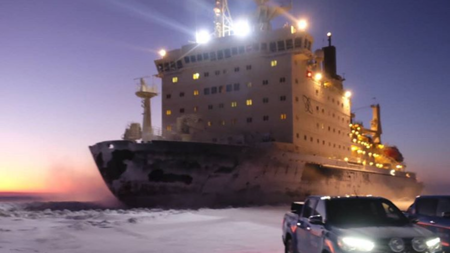 WATCH nuclear-powered icebreaker rip through ice within meters of Arctic car expedition