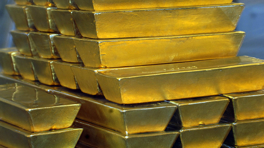 Investors dump US dollar & rush to gold