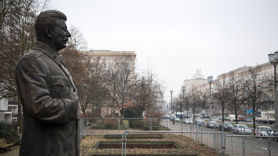 'Red God': Stalin statue erected in Berlin street… to recreate the past (VIDEO)