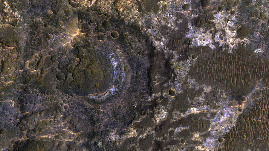 NASA releases stunningly detailed image of Mars basin 'favorable' to life