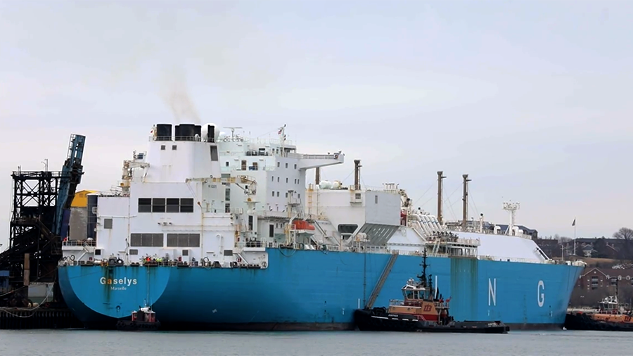 Tanker Carrying 1st Batch of Russian LNG Arrives in Boston
