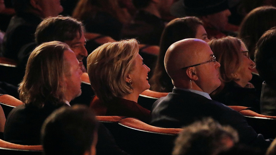 US political breakdown hits Grammys, courtesy of Clinton 'Fire & Fury' sketch