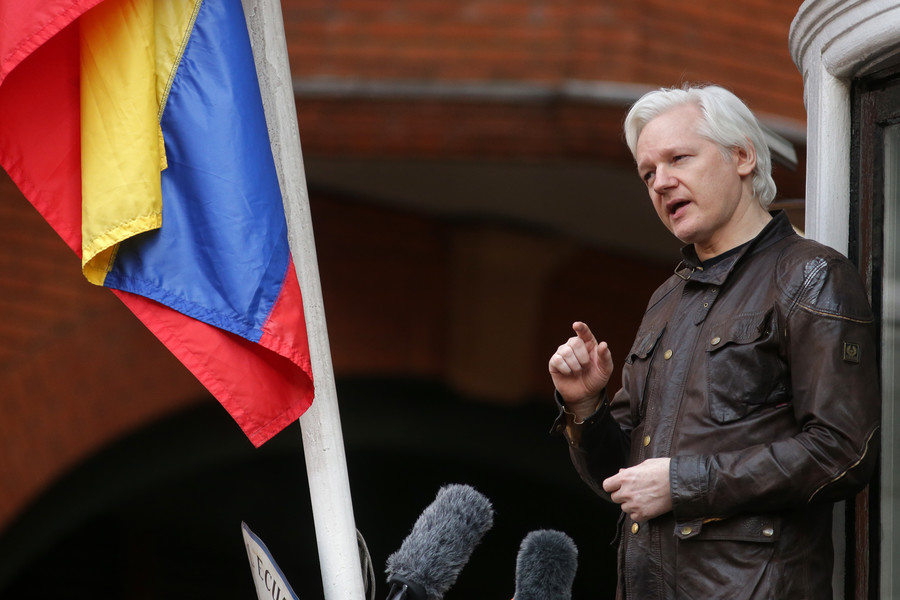 'Assange status unchanged' despite cryptic tweets, Ecuadorian embassy tells RT