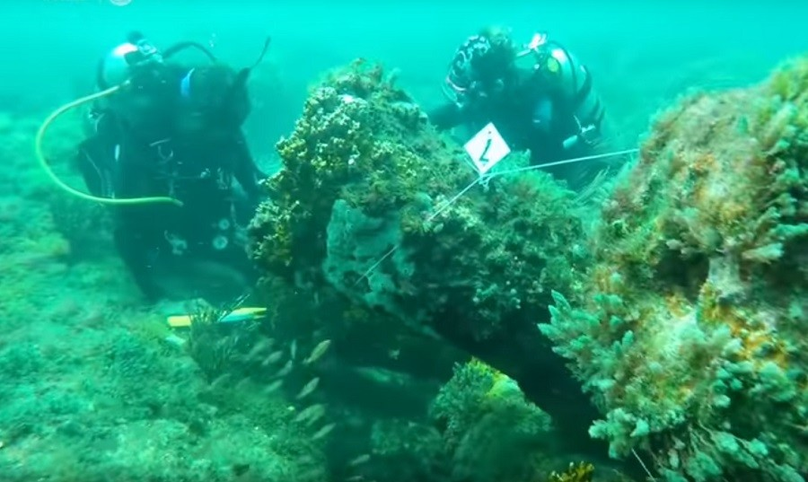 300yo Dutch warship found off Mexican coast (VIDEO)