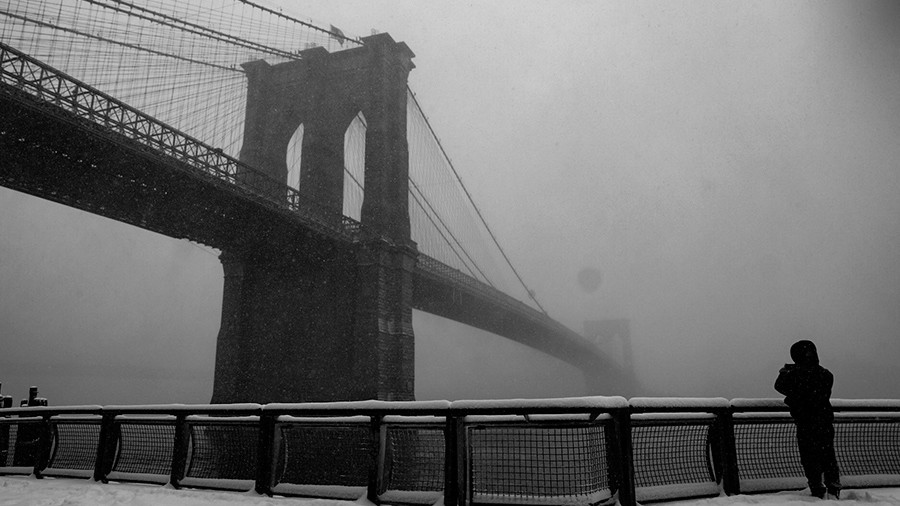 15k New Yorkers lose heat, airports close amid 'very serious storm'