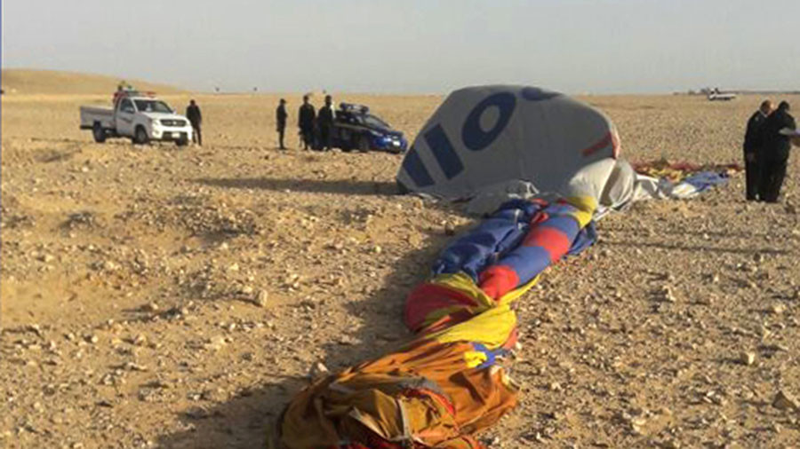 1 dead, 12 injured after hot air balloon carrying tourists crashes near Egypt's Luxor