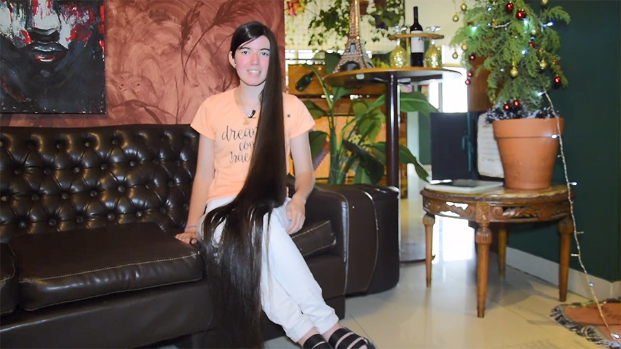 17yo Argentine 'Rapunzel' grows hair to Guinness record-breaking length (VIDEO)