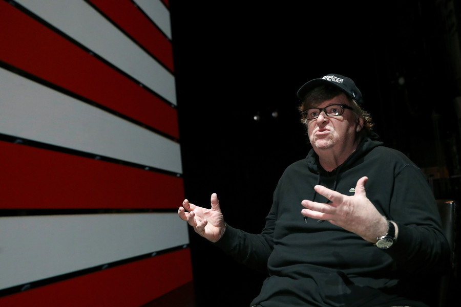 'Russia, Russia, Russia!' – Michael Moore slams corporate media for ignoring real issues