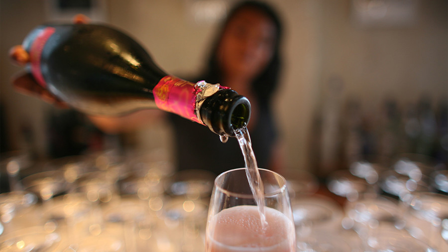 Bottoms up! Sri Lanka lets women buy booze at long last