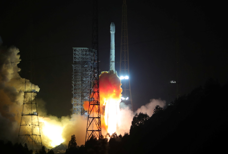 Space rocket booster drops from sky & explodes near Chinese town (VIDEOS)