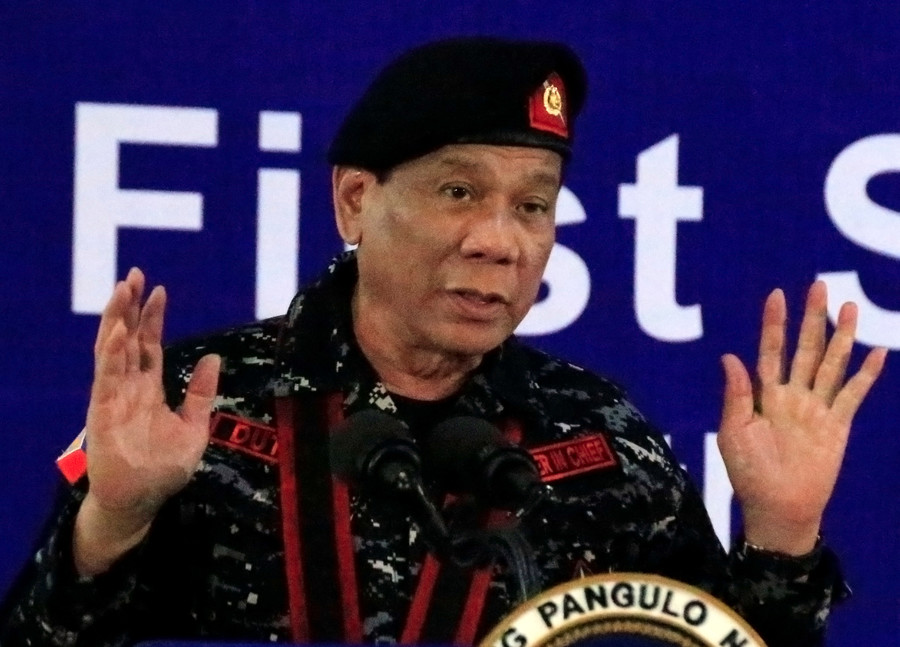 Duterte orders army to 'shoot him' if he becomes dictator