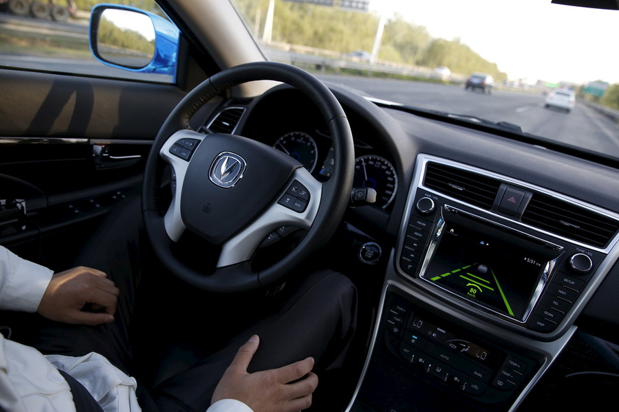 67% of Americans 'not comfortable' with self-driving cars – poll