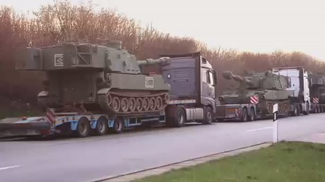 Auto-banned: US army convoy kicked off German highway by traffic cops