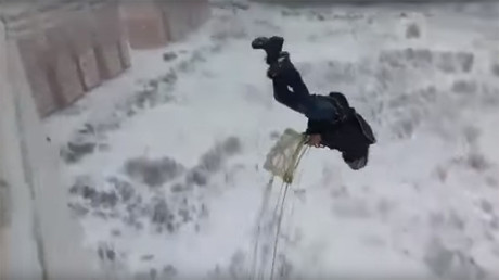 95yo Russian WWII veteran flies in air tube after parachute jump & scuba diving (VIDEO)