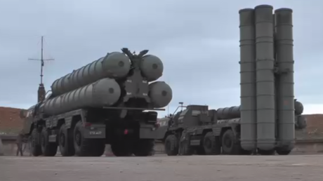 Russia deploys more S-400 air defense missile systems in Crimea (VIDEO)