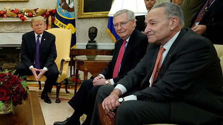 U.S. President Donald Trump, Senate Majority Leader Mitch McConnell (C) and Senate Minority Leader Chuck Schumer. © Kevin Lamarque